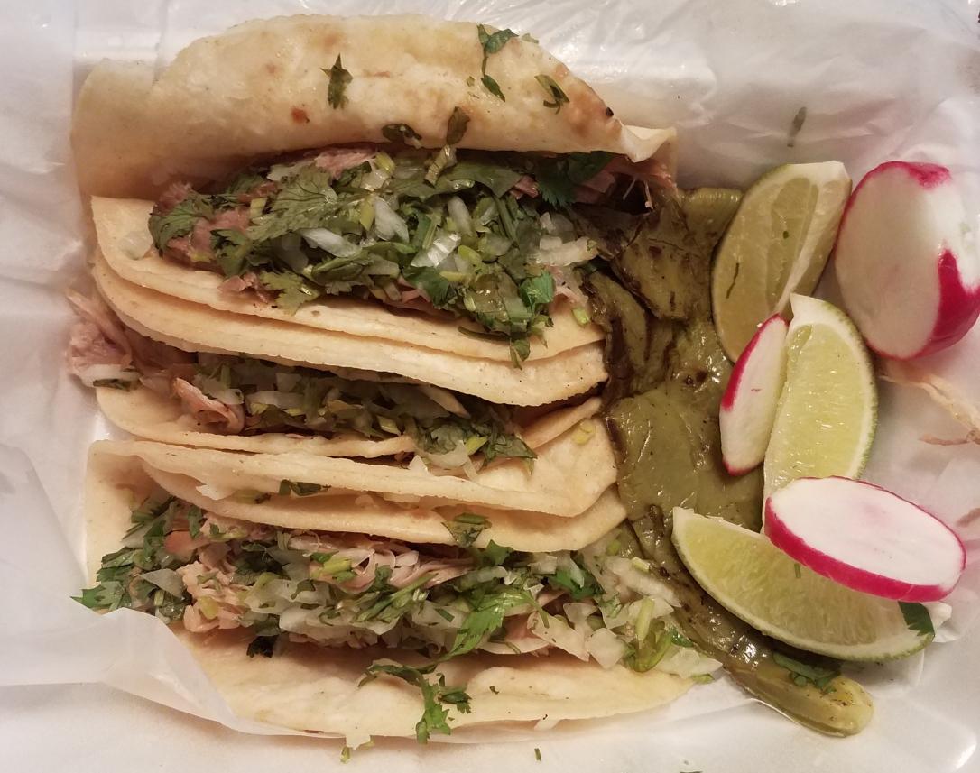 El Aguila Dorada - Bayonne, NJ - Carnitas Tacos