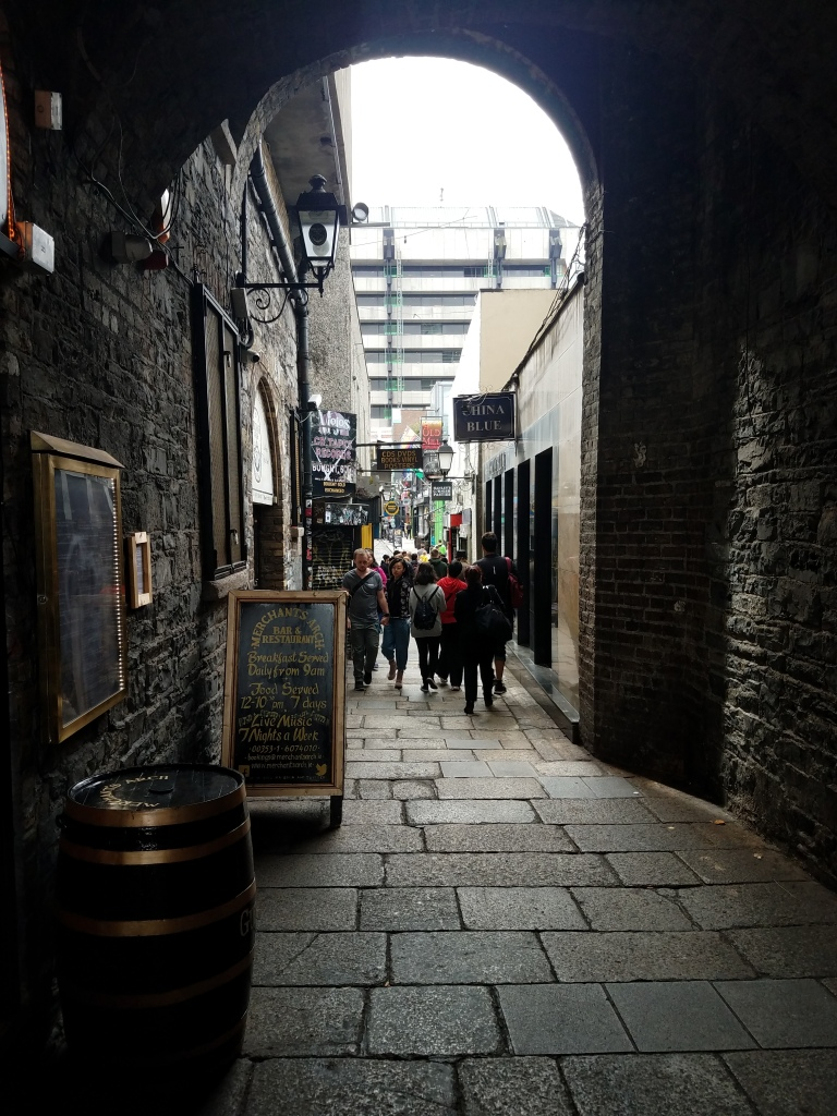 Alleyway where El Grito can be found